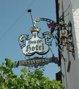 Moseldalen – restaurangskylt lågupplöst