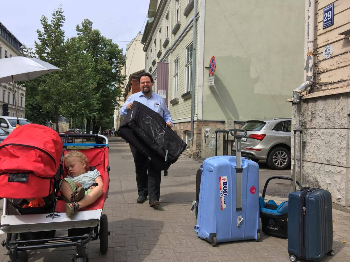 Vad som hände oss på Elizabete Hotel i Riga   Edward Blom